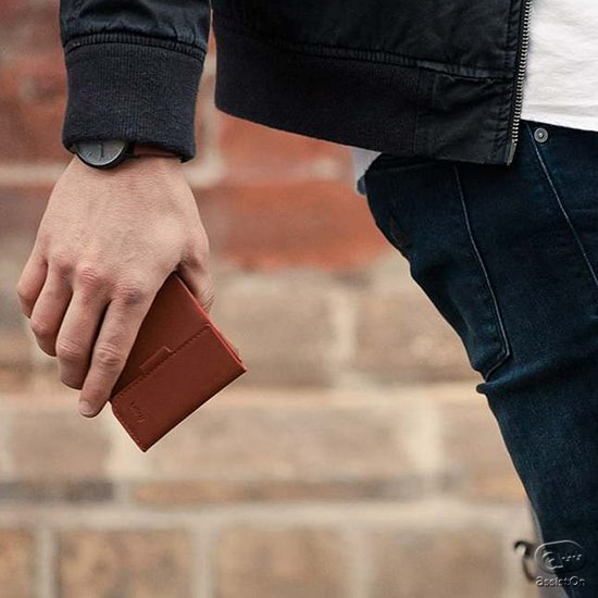 スマートに使える、クレジットカードや交通カードはもちろん、紙幣や硬貨もしっかり入る。使いやすさはもちろん、よりコンパクト、薄く・軽くを追求した財布