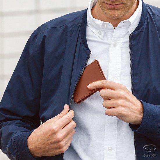 スキミング防止機能のRFIDプロテクションを搭載し、カラーも新しく。「薄いだけ」の財布とはまったく違う、Bellroyのコンパクトなベストセラー財布。