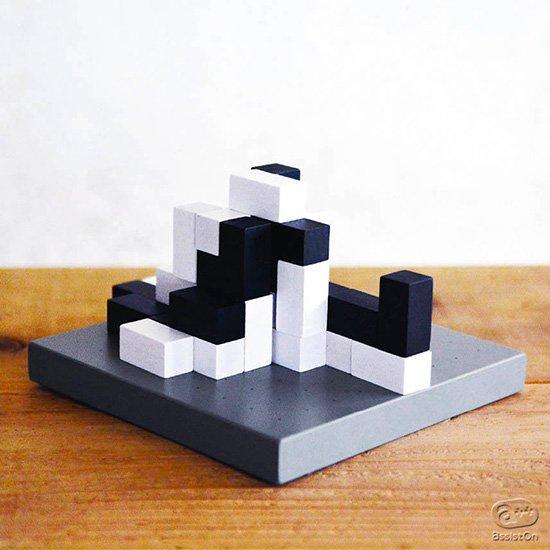 「立体思考」で活路を開け!オセロを楽しむように誰にでも気軽にはじめることが出来る。囲碁のように奥深い。全く新しいボードゲーム誕生。
