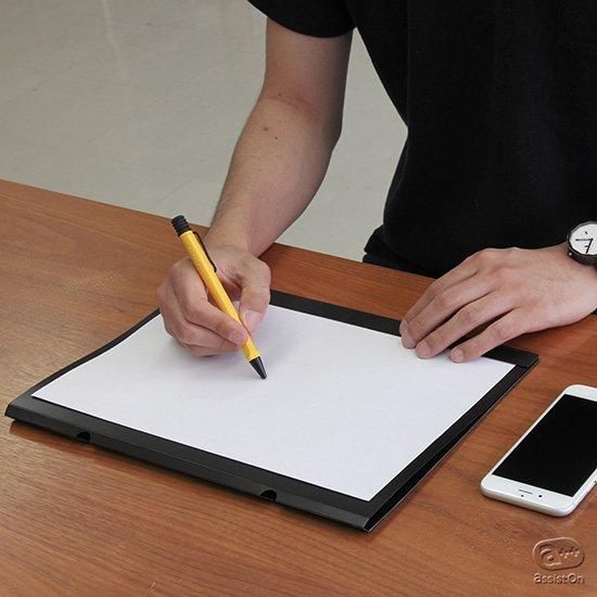 あなたのあたらしい「発想」を引き出すための道具。A4コピー用紙をアイデアを膨らませる真っ白いキャンバスにしてくれる道具です。