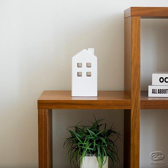 玄関やリビング、トイレの消臭剤・芳香剤。隠したいけど隠してしまうと意味がなくなってしまうこれらの居場所を作るための「お家」