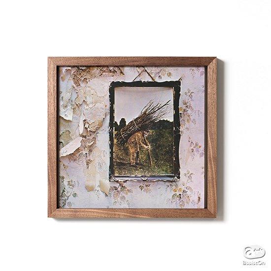 思い出の音楽を、いつまでも聴いていたい大切なアルバムを飾る。LPレコードを美しく飾っておくことができる専用の木製フレームをつくりました。